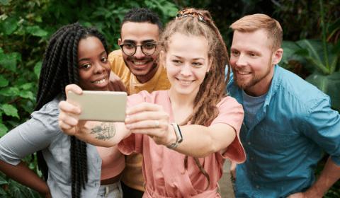 La Perche Selfie : Accessoire incontournable pour des Magnifiques Autoportraits